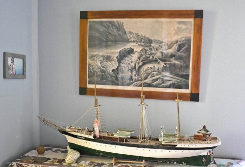 foto kapal dan miniatur kapal