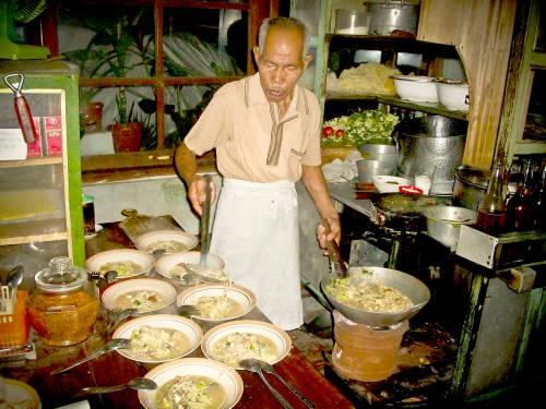 Pak Min Bakmi, Magelang