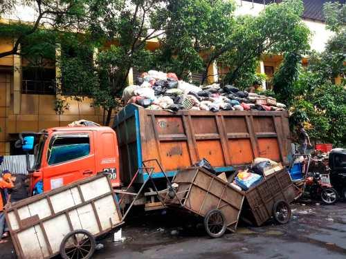 truk sampah