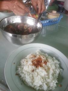 Kuliner sop buntut Ma' Emun Bogor