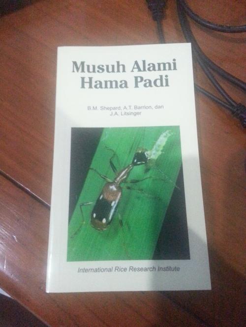 Musuh alami hama padi. Buku gratis dari Puslitbangtan.