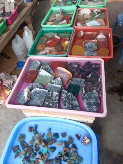 dagangan batu akik di pasar gamalama ternate