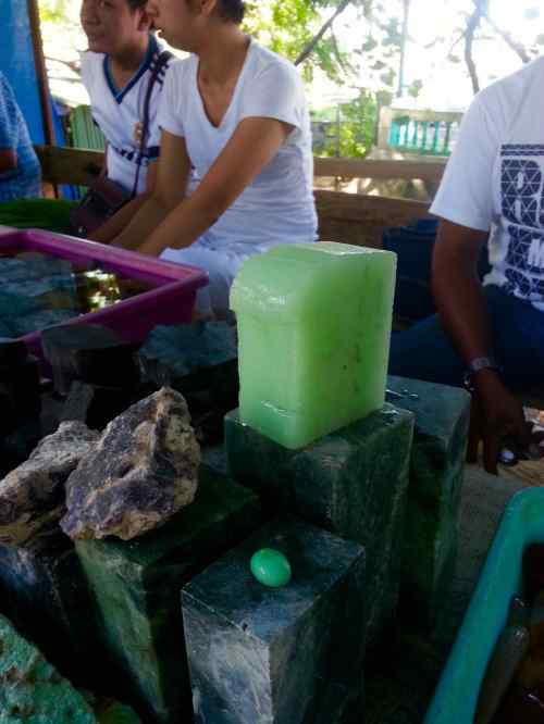batu fosfor hijau kalimantan
