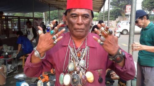 Pengila batu akik Indonesia