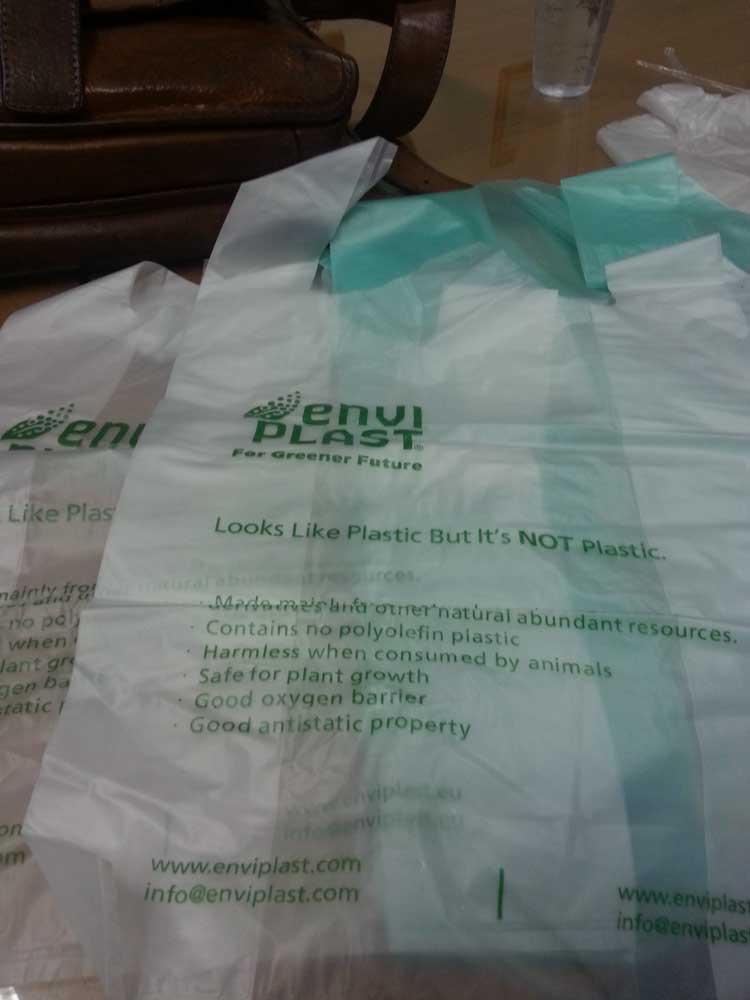Salah satu produk kantong bioplastik
