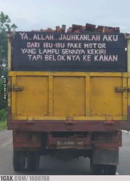 status lucu bak belakang truk